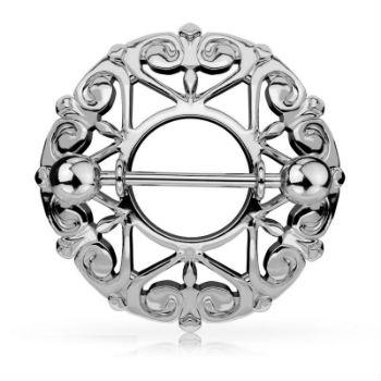Le piercing téton bouclier avec cœurs en filigrane